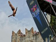 red_bull_cliff_diving_malcesine